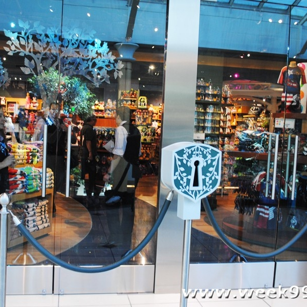 disney store troy opening