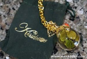 kissletoe necklace review