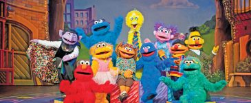 """Enter to Win 4 Tickets to Sesame Street Live """"Make An New Friend"""" at the Fox!"""