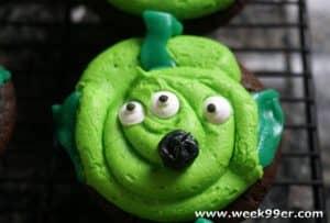 Toy Story Alien Inspired Cupcakes #fandomfriday #disneykids