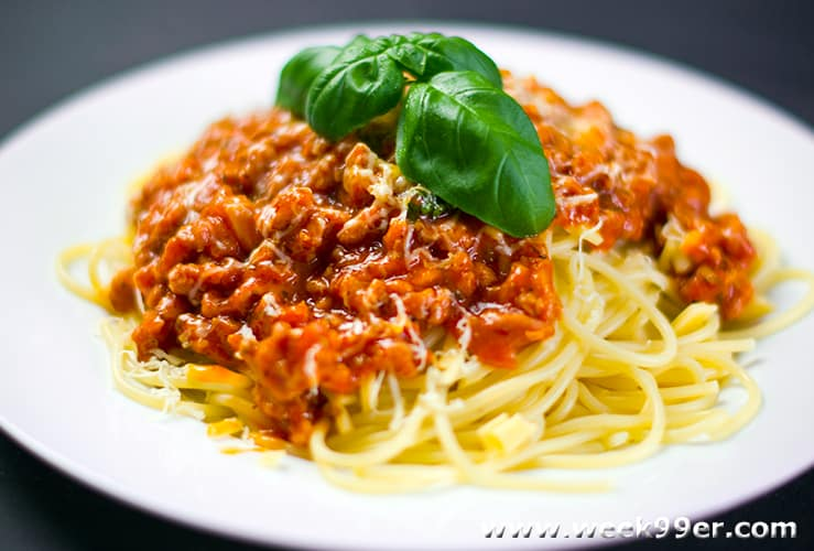Five Meal Ideas to Make with Canned Tomato Sauce