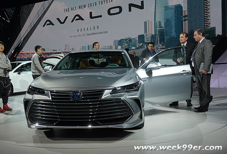 Whats New At The Chicago Auto Show And Your Chance To Bring - Car show chicago today