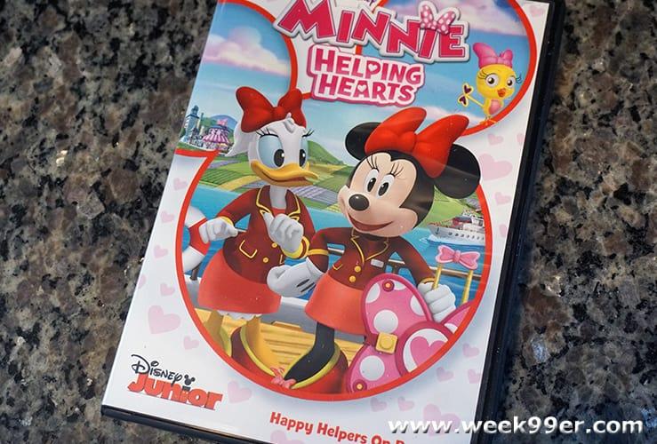 Minnie helping hearts