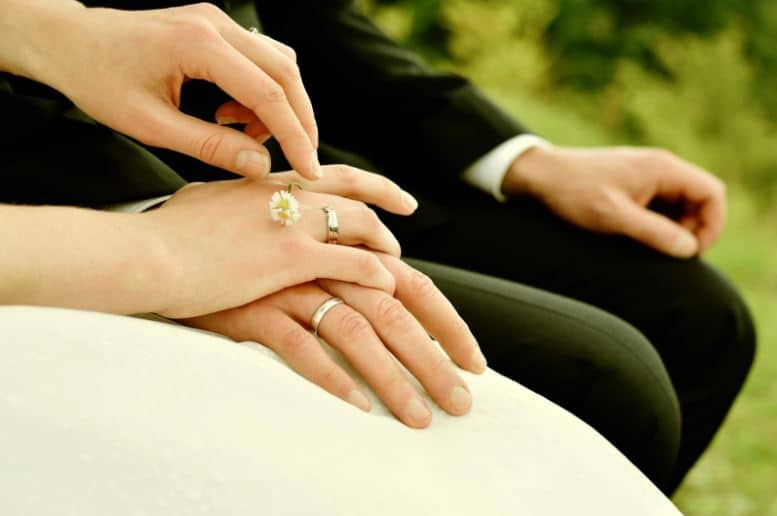 how to plan a wedding stress free