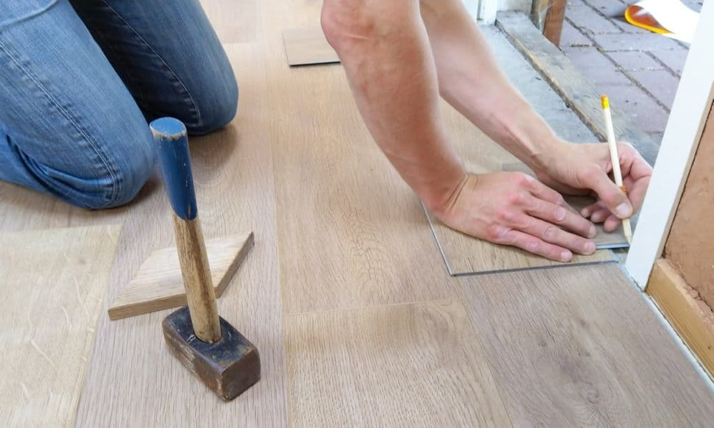 A Buyers Guide On Getting Cheap Laminate Flooring Without