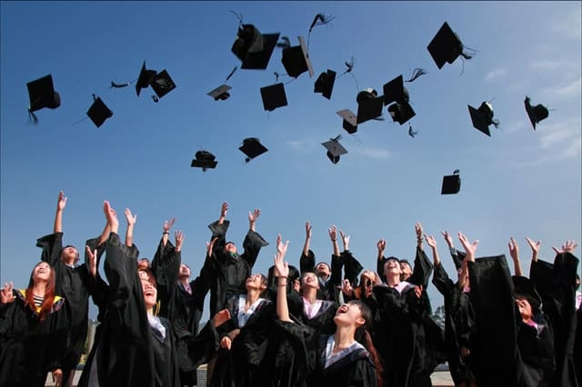How to Find Scholarships for College