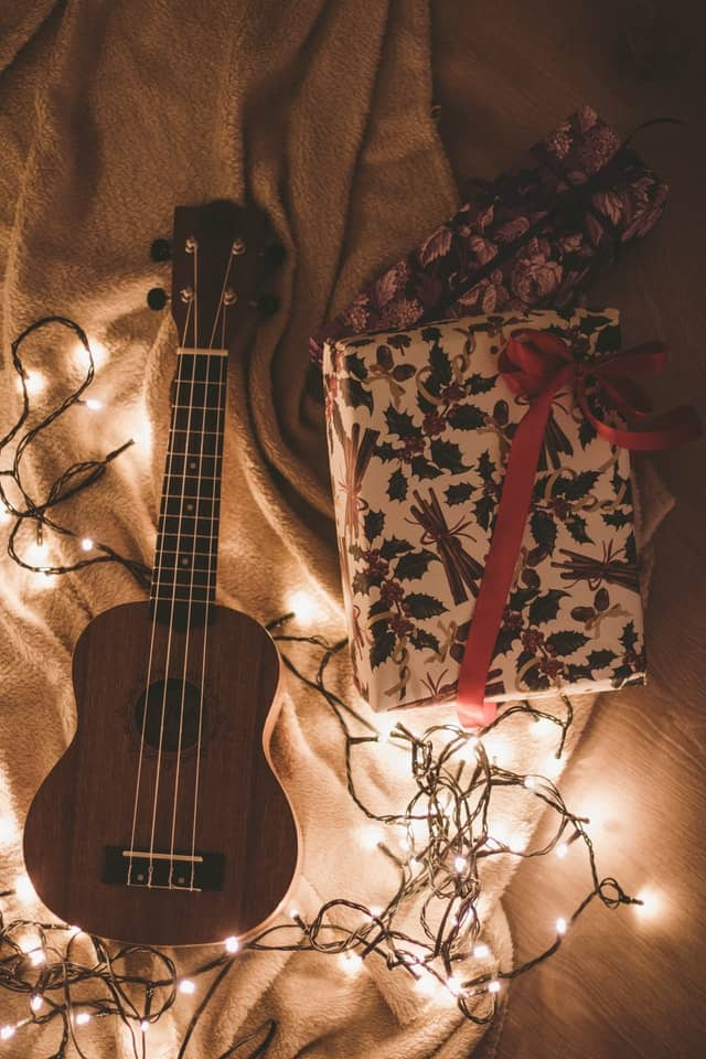 Holiday music playlist