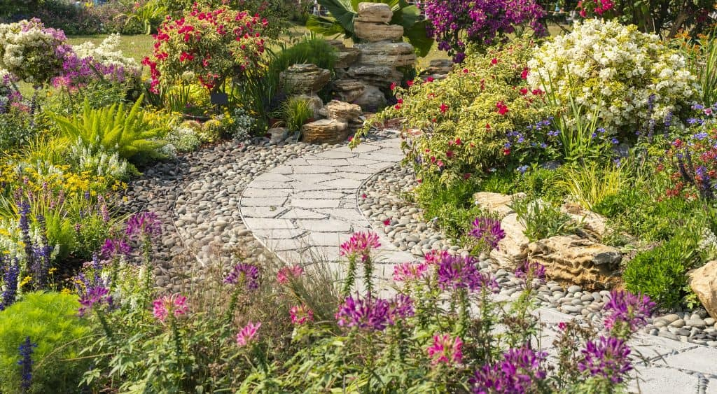 How to Use Natural Accents in Your Landscaping